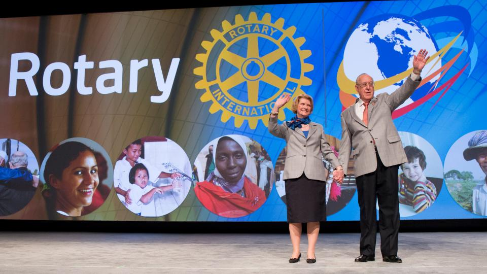 RI President-elect John F. Germ and his spouse, Judy, are introduced at the second general session of the 2016 International Assembly on 18 January. Germ unveiled the 2016-17 presidential theme, 'Rotary Serving Humanity.'